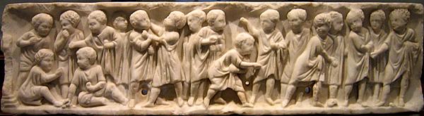 lecture mome - Bas-relief d'un tombeau d'enfants jouant