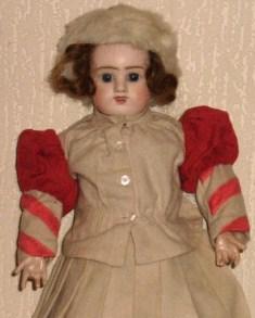 poupée donnée à Jésus - première communion