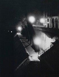 Paris bord de Seine la nuit