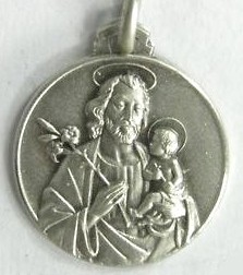 Don Bosco raconté aux louvettes - médaille de Saint Joseph