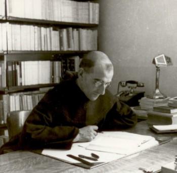 Pere Jacques de Jésus dans son bureau Avon