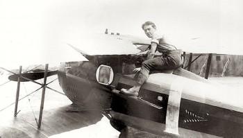 avion Bourjade avec sainte Thérèse