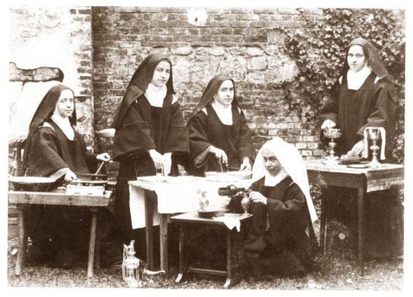 Sainte Thérèse racontée aux enfants - Les sacristines du carmel (1896)